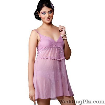 Veronica Fashion Focused Lingerie Shops weddingplz