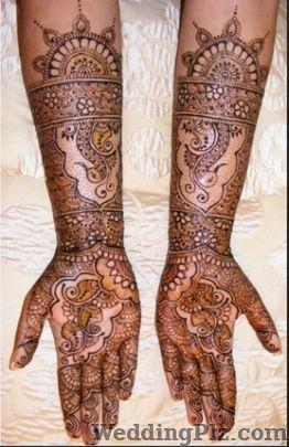 Harsha Bhayani Mehndi Artists weddingplz