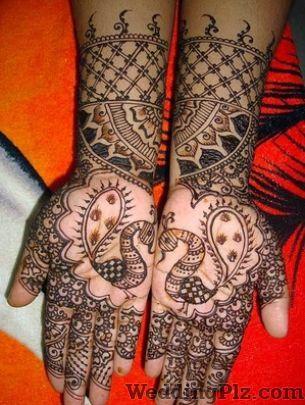 Roshan Mehandi and Makeup Artist Mehndi Artists weddingplz