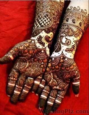 Kajal Mehandi Art and Class Mehndi Artists weddingplz