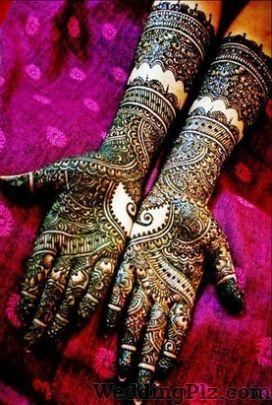 Riddhi Dedhias Creation Mehndi Artists weddingplz