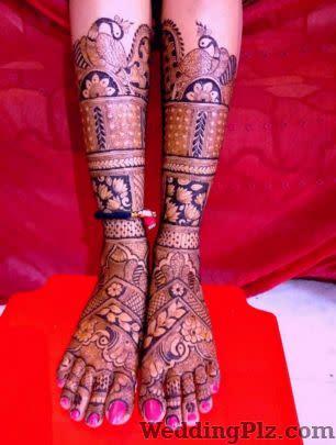 SRISHENNA Mehndi Artists weddingplz