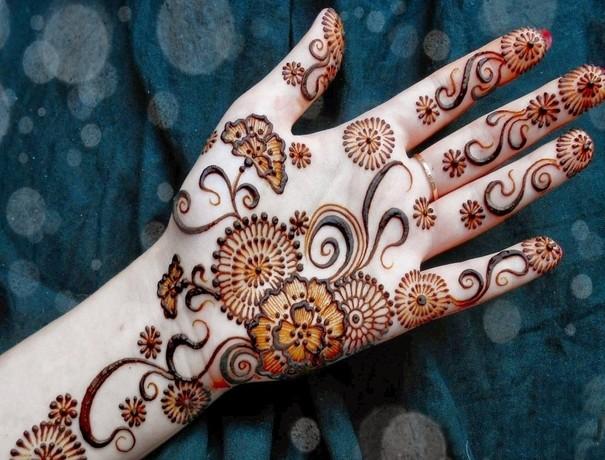 Suraj Mehndi Wala Mehndi Artists weddingplz