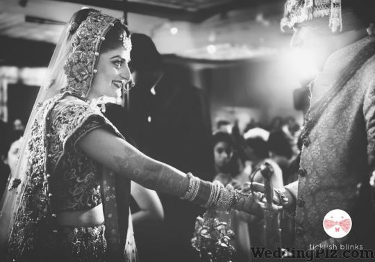 Ticklish Blinks Photographer Photographers and Videographers weddingplz