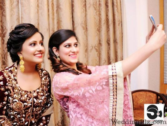 Shankar Studio Photographers and Videographers weddingplz
