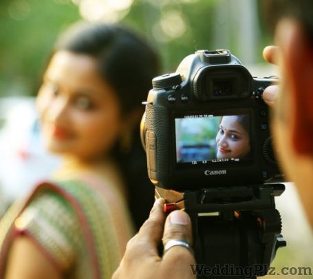 Sundram Photo Studio Photographers and Videographers weddingplz