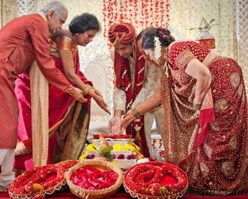 Kapoor Studio Photographers and Videographers weddingplz