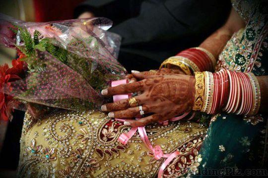 Arsh Portraits Photographers and Videographers weddingplz