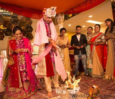 Pavan Jacob Photography Photographers and Videographers weddingplz
