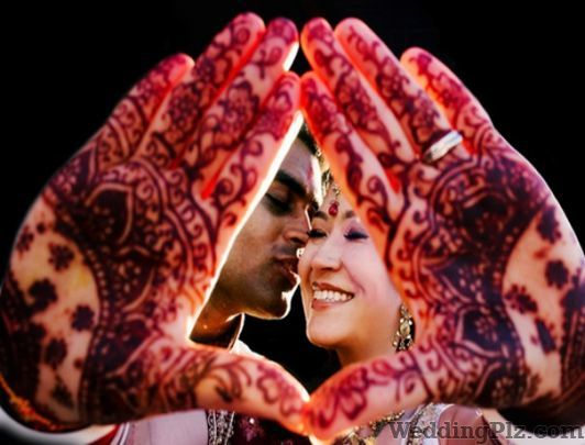 Bombay Paparazzi Photographers and Videographers weddingplz