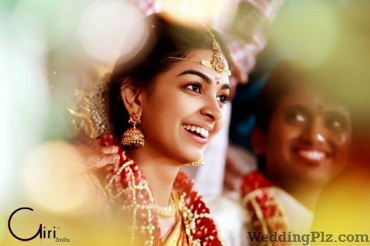 Giri Stills Photographers and Videographers weddingplz