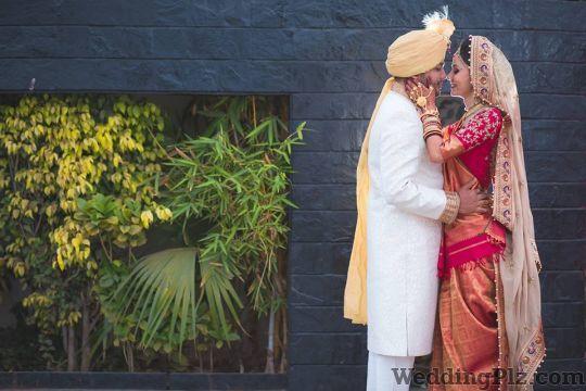 Varuns Click Photographers and Videographers weddingplz