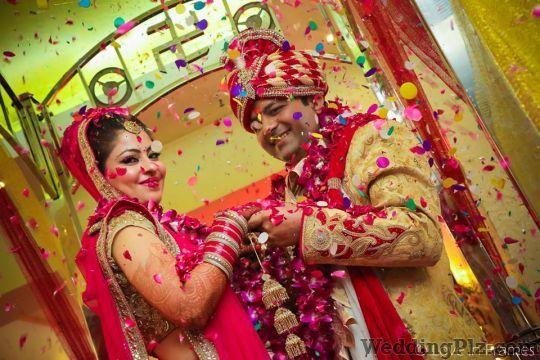 Love in Frames Photographers and Videographers weddingplz
