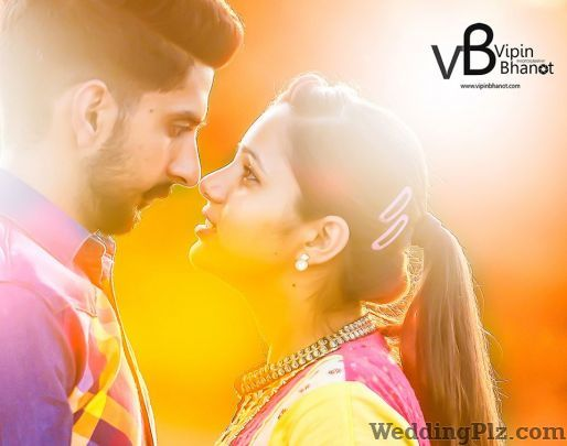 Vipin Bhanot Photography Photographers and Videographers weddingplz