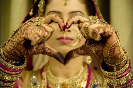 Anoopam Studio Photographers and Videographers weddingplz