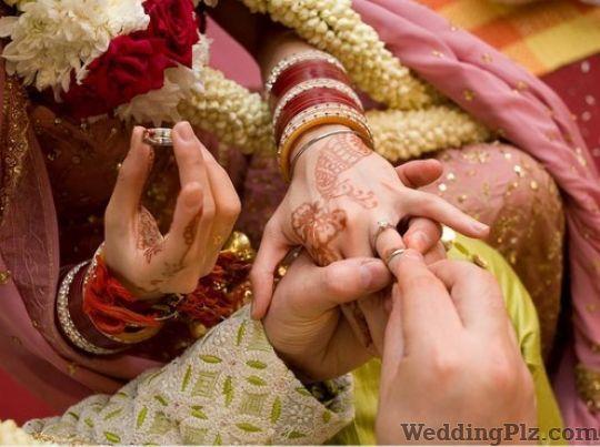 Kanishka Studio Color Lab Photographers and Videographers weddingplz
