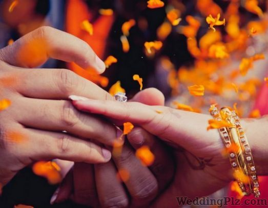Lucky Photo Service Photographers and Videographers weddingplz