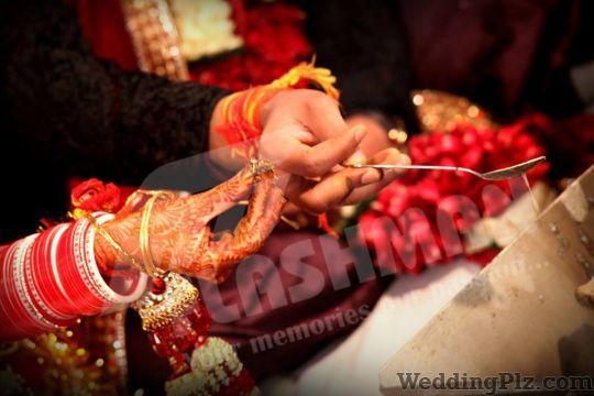 The Flash Man Photographers and Videographers weddingplz