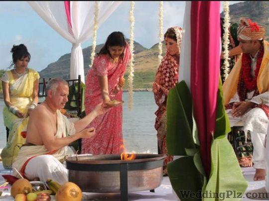 Pamya Panditji Pandits weddingplz