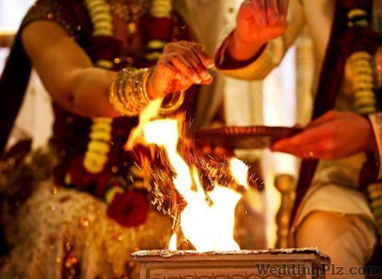 Bhupender Shastri Pandits weddingplz