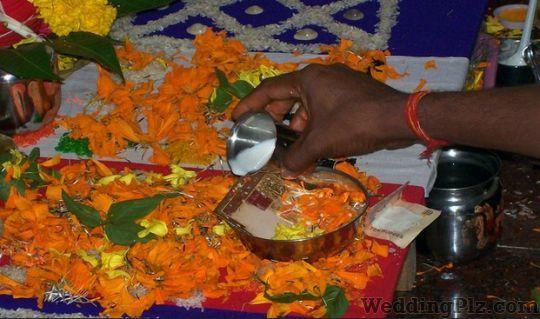 Pundit Santosh Maharaj Pandits weddingplz