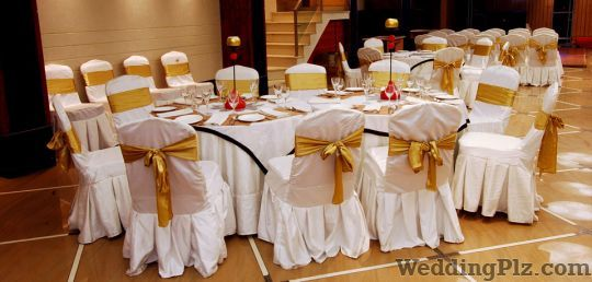 Brosche The Banquet Hall By Hotel Onn Banquets weddingplz