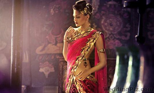Shakuntlam Xclusif Wedding Lehnga and Sarees weddingplz