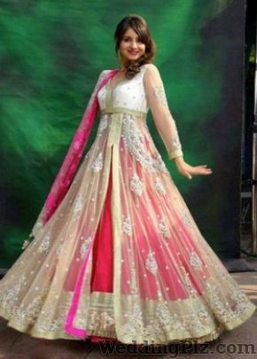 Alka Prabhat Sangeeta Balodia Wedding Lehnga and Sarees weddingplz