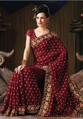 Famous And Kesar Saree Centre Wedding Lehnga and Sarees weddingplz