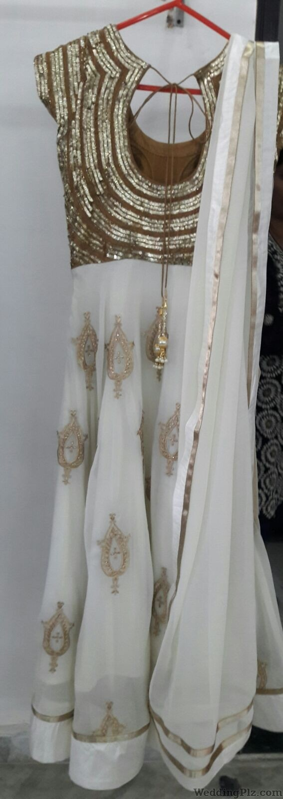 Darzi On Call Wedding Lehnga and Sarees weddingplz