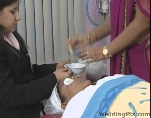 Dr Ravindra Dargainya Slimming Beauty and Cosmetology Clinic weddingplz