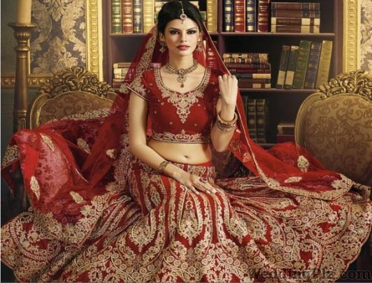 Reeti Riwaz Lehenga And Sherwani On Rent weddingplz