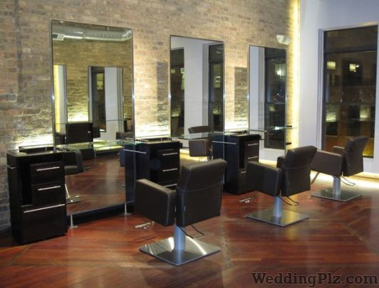 British Men Salon Beauty Parlours weddingplz