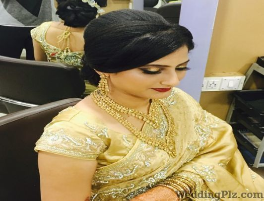 Neisha Make Up Artist Beauty Parlours weddingplz