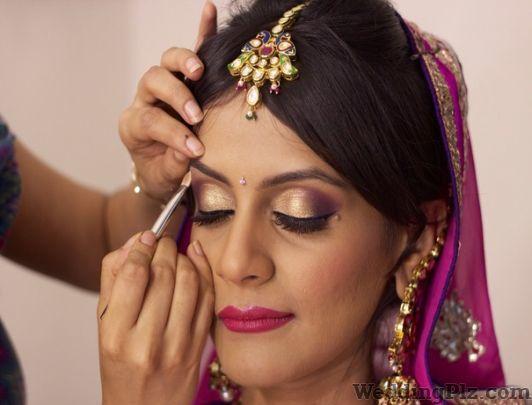 Style Mantra Unisex Salon Beauty Parlours weddingplz