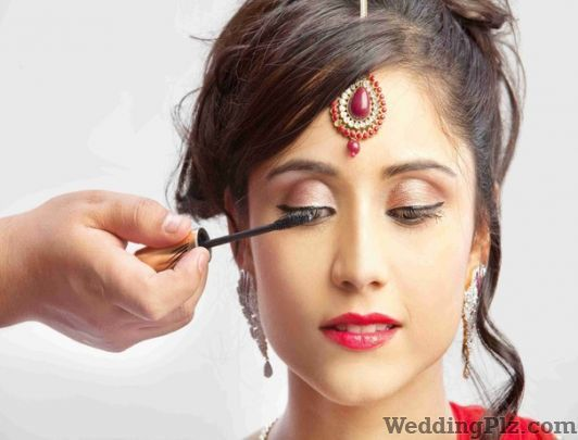 T Unique Unisex Salon Beauty Parlours weddingplz