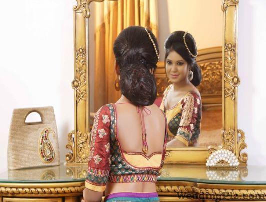 Tonic Saloon Beauty Parlours weddingplz