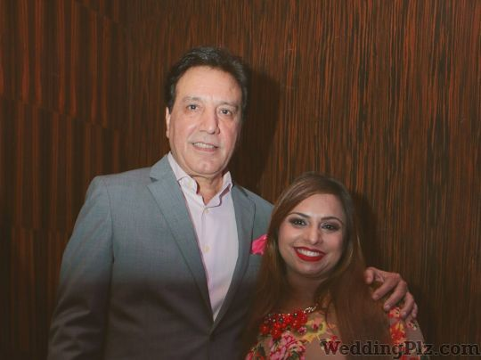 Kanikka Tandon Studdio Beauty Parlours weddingplz