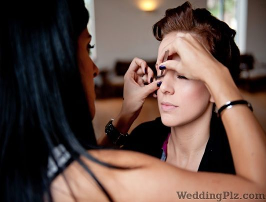Head Turner Beauty Parlours weddingplz