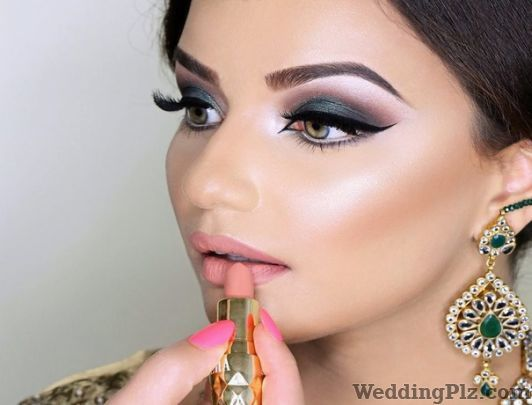Live Unisex Salon Beauty Parlours weddingplz