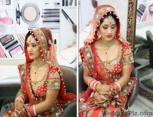 New Looks Unisex Saloon Beauty Parlours weddingplz