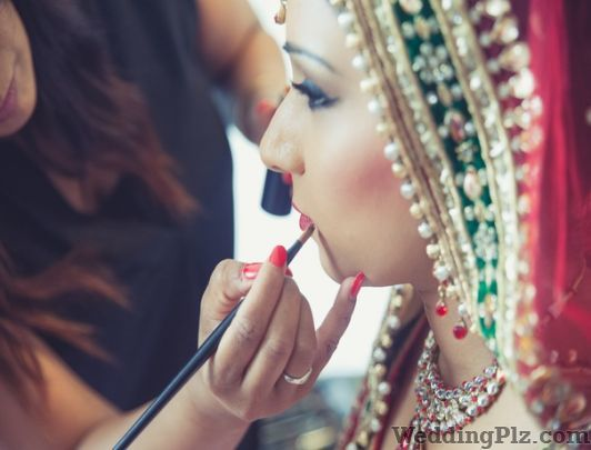 Hiyaav Beauty  Hub Beauty Parlours weddingplz