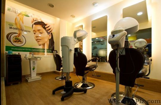YLG Salon And Spa Beauty Parlours weddingplz