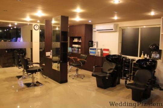 Strawberry Salon and Spa Beauty Parlours weddingplz