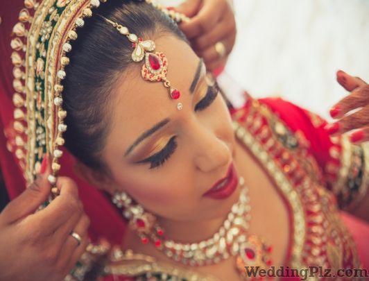 Silhouette Unisex Salon Beauty Parlours weddingplz