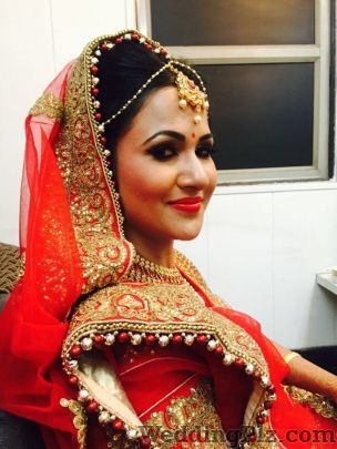 The Signature Designer Makeovers Beauty Parlours weddingplz
