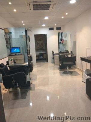 The Master Touch Salon nd Academy Beauty Parlours weddingplz