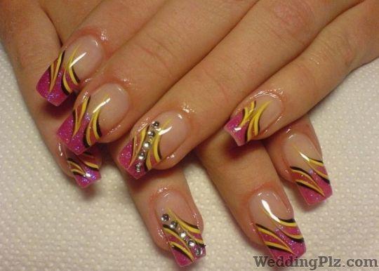 Clipperz Unisex Salon Nail Art Studios weddingplz