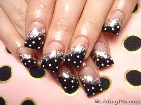 Honey and Peaches Nail Art Studios weddingplz