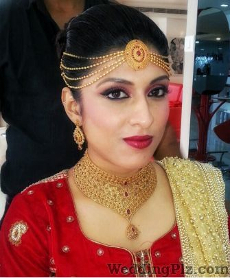 Ambika Pillai Makeup Artists weddingplz